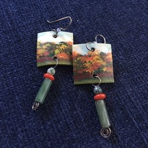 Awesome hand painted vintage earrings.